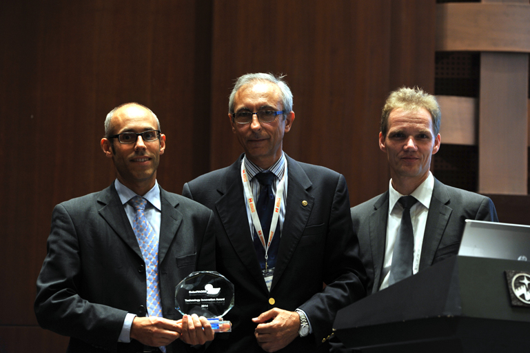 Technology Innovation Award 2014: CSP Services and DLR